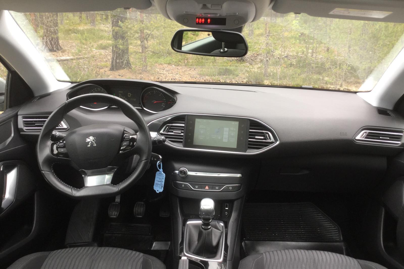Peugeot 308 1 6 e-HDi   kvdcars com