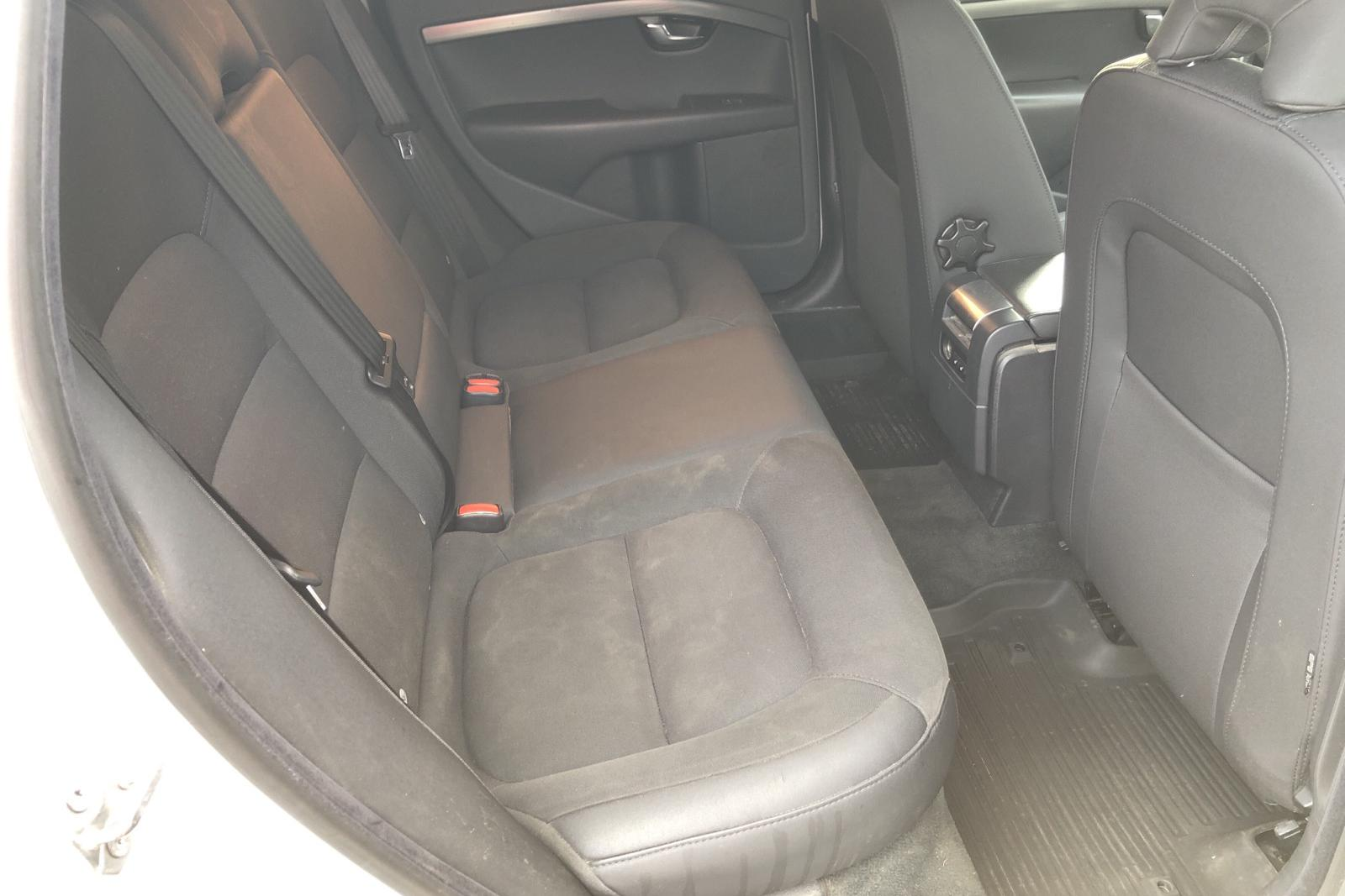 Volvo Xc70 Ii D4 Awd Kvdcars Com