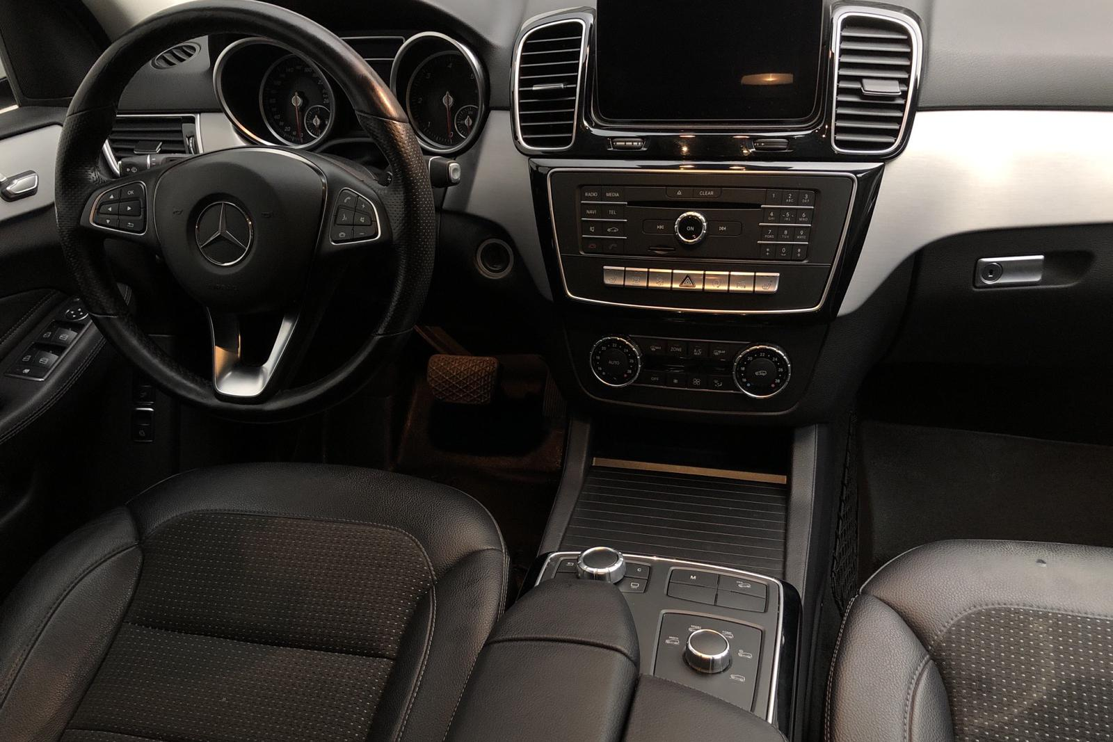 Mercedes GLE 250 d 4MATIC W166 (204hk) - 9 304 mil - Automat - vit - 2016