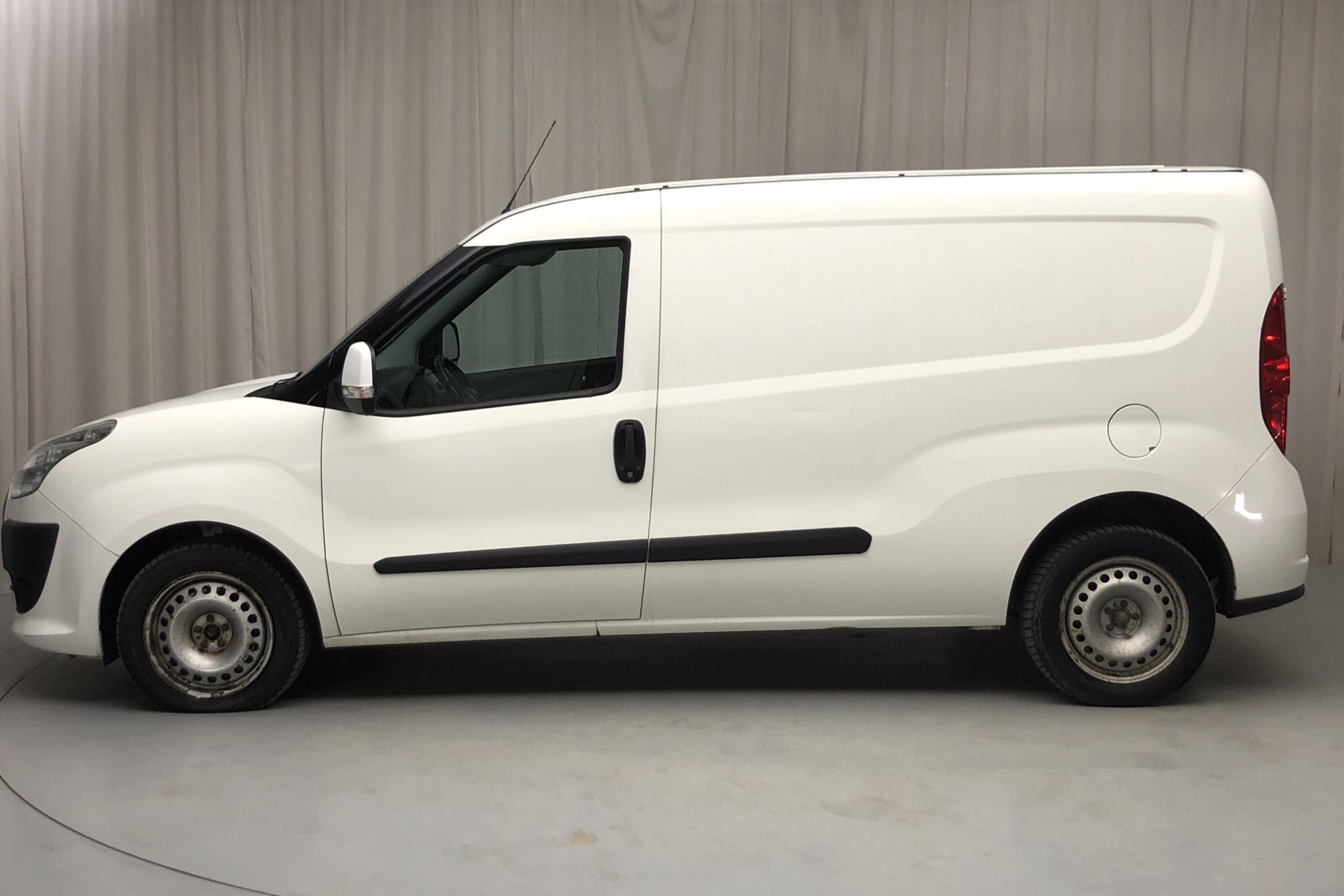 Fiat Doblo Cargo 1.4 CNG (95hk) - 12 172 mil - Manuell - vit - 2011