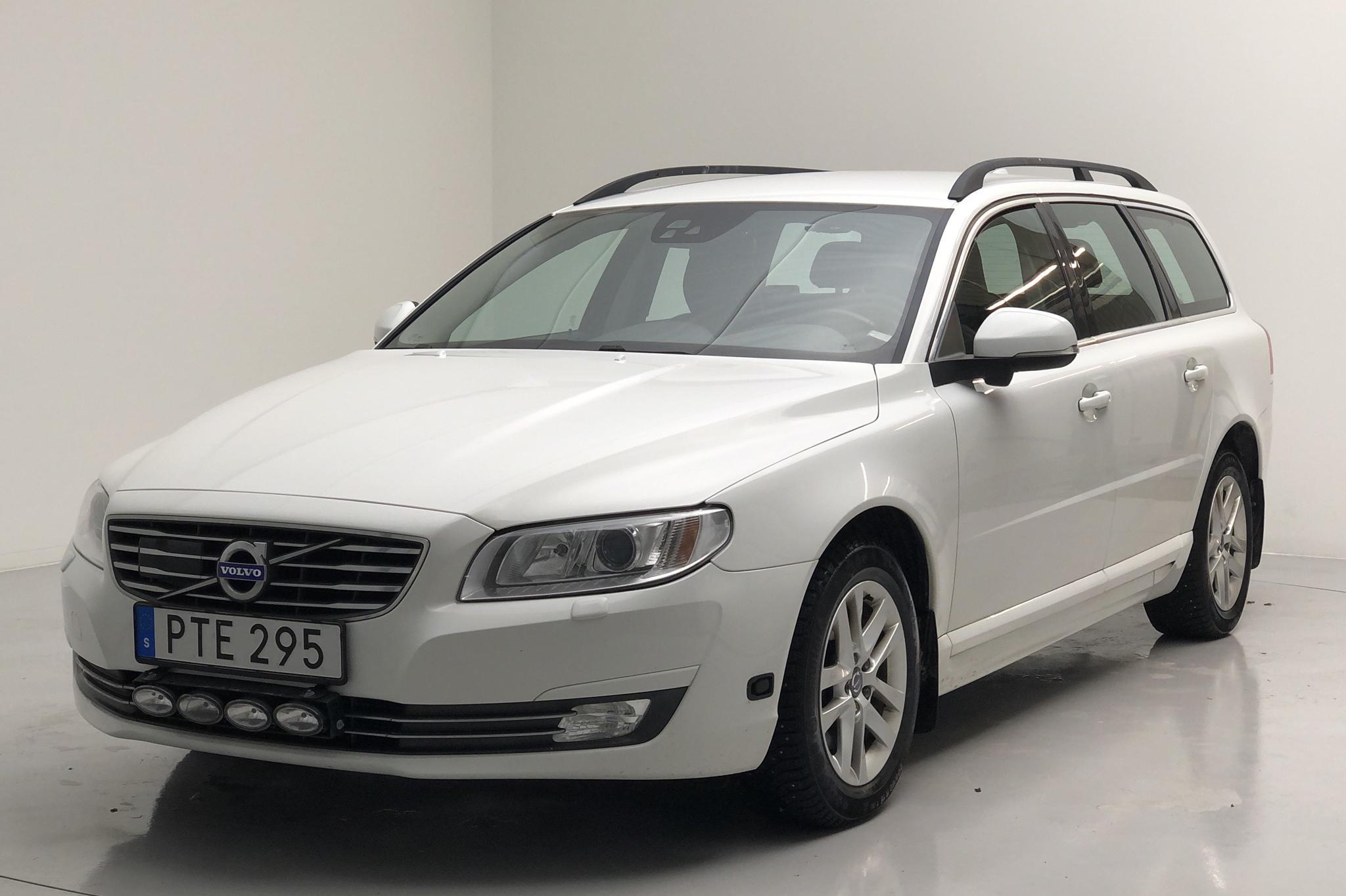 Volvo V70 II D4 (181hk) - 98 940 km - Manual - white - 2015