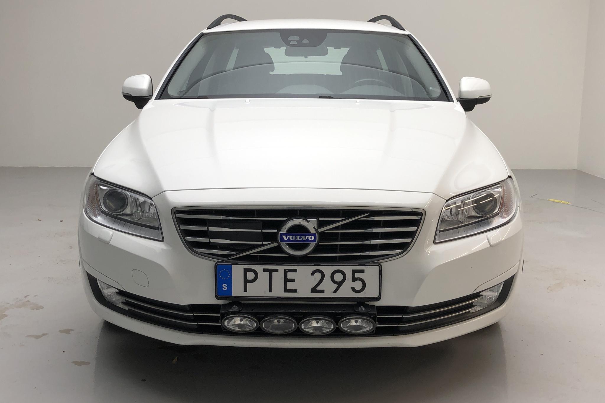 Volvo V70 II D4 (181hk) - 9 894 mil - Manuell - vit - 2015