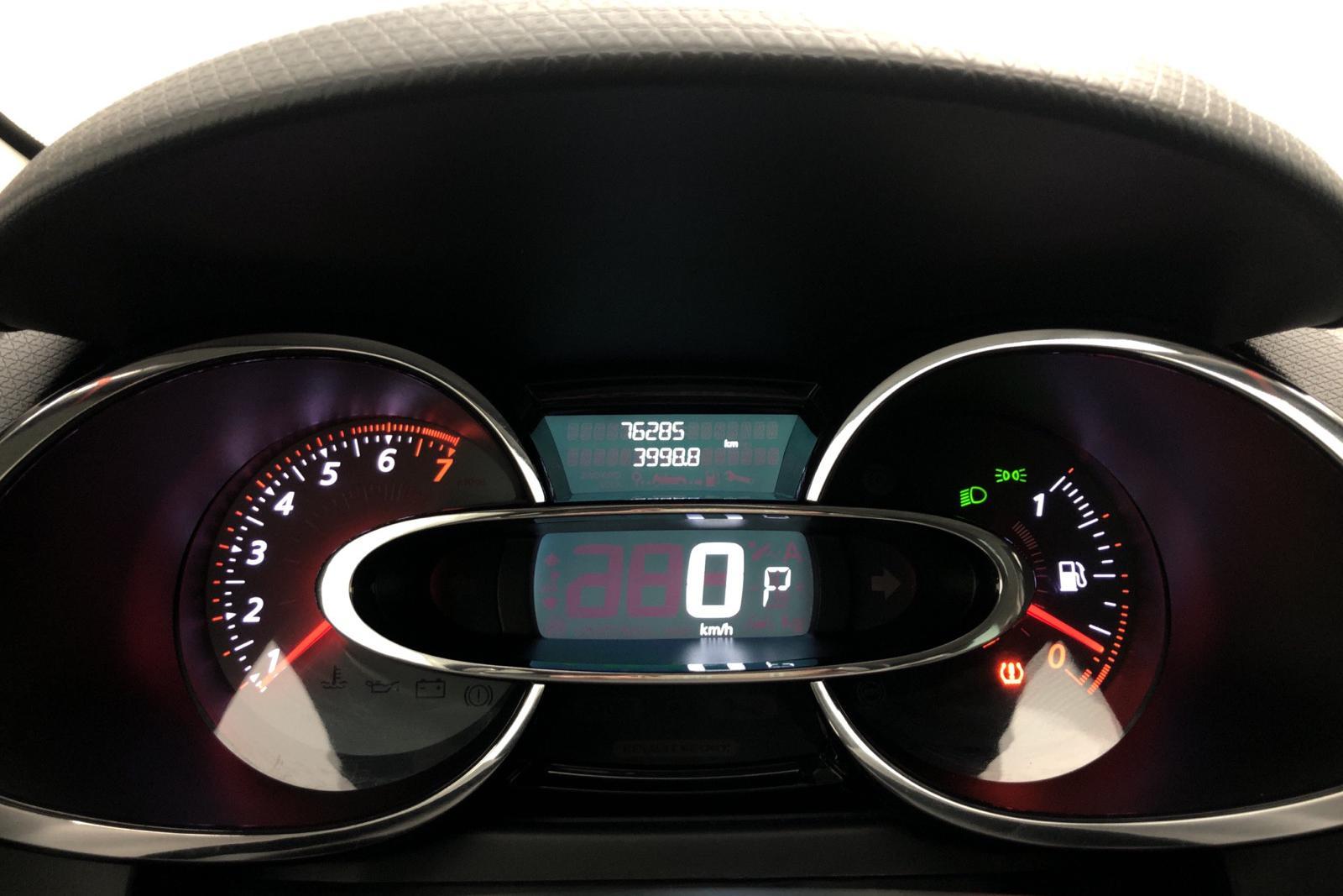 Renault Clio IV R.S. 200 (200hk) - 7 800 mil - svart - 2015
