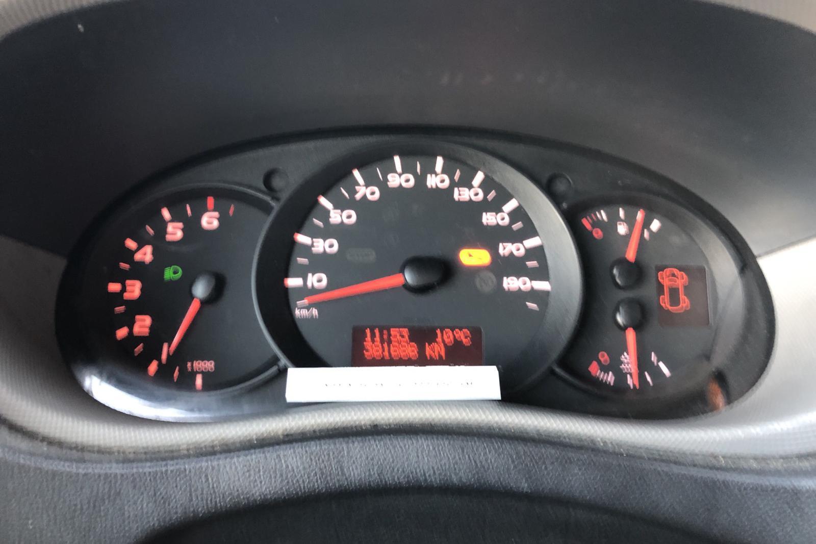 Renault Master 2.3 dCi Pickup/Chassi 2WD (145hk) - 38 168 mil - Manuell - röd - 2016