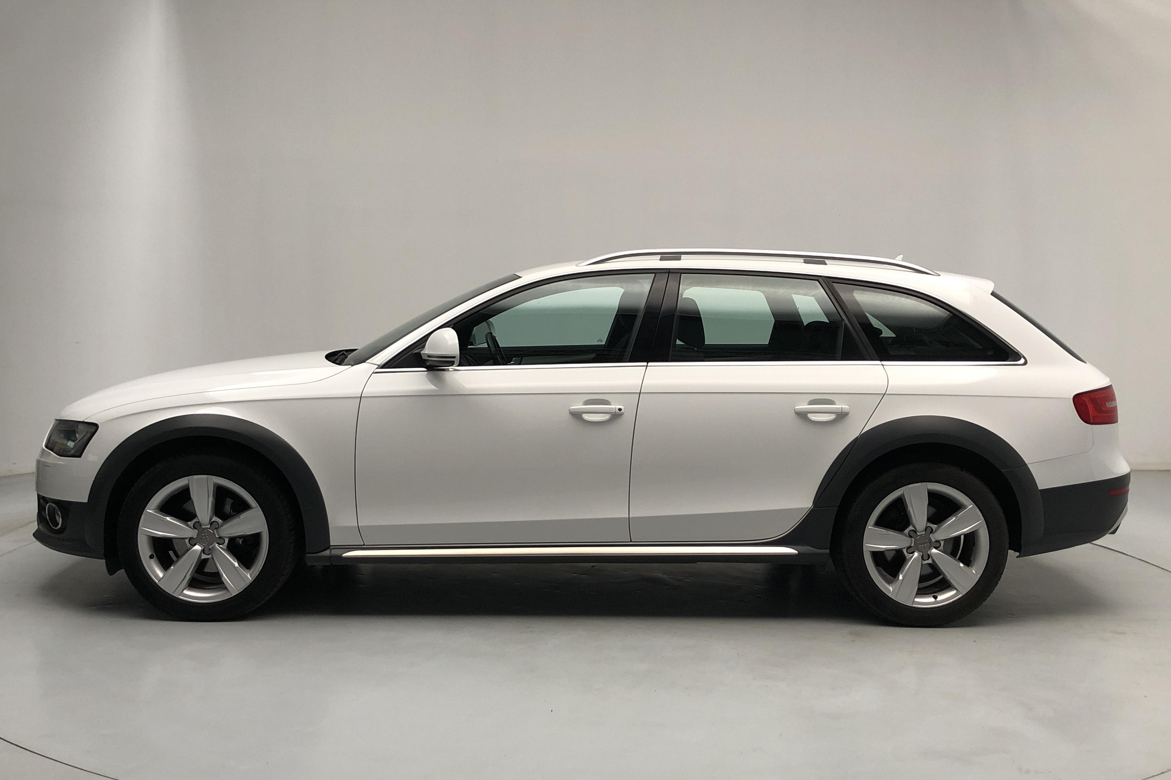 Audi A4 Allroad 2.0 TDI clean diesel Avant quattro (190hk) - 143 000 km - Automatic - white - 2015