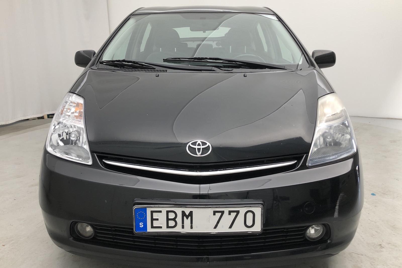 Toyota Prius 1.5 Hybrid (78hk) - 19 800 mil - Automat - svart - 2006