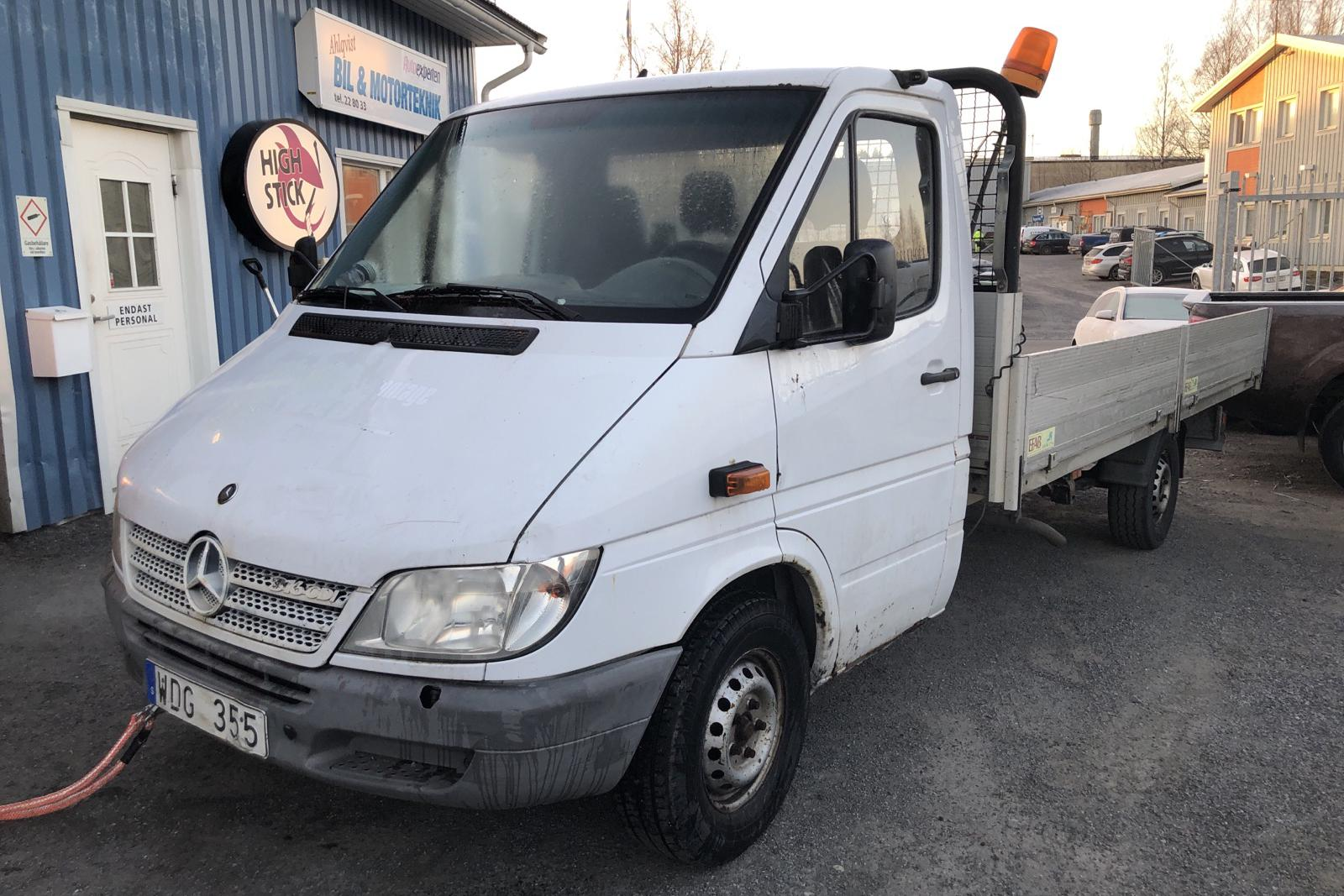 Mercedes Sprinter 316 CDI Pickup/Chassi (156hk) - 169 020 km - Manual - 2005