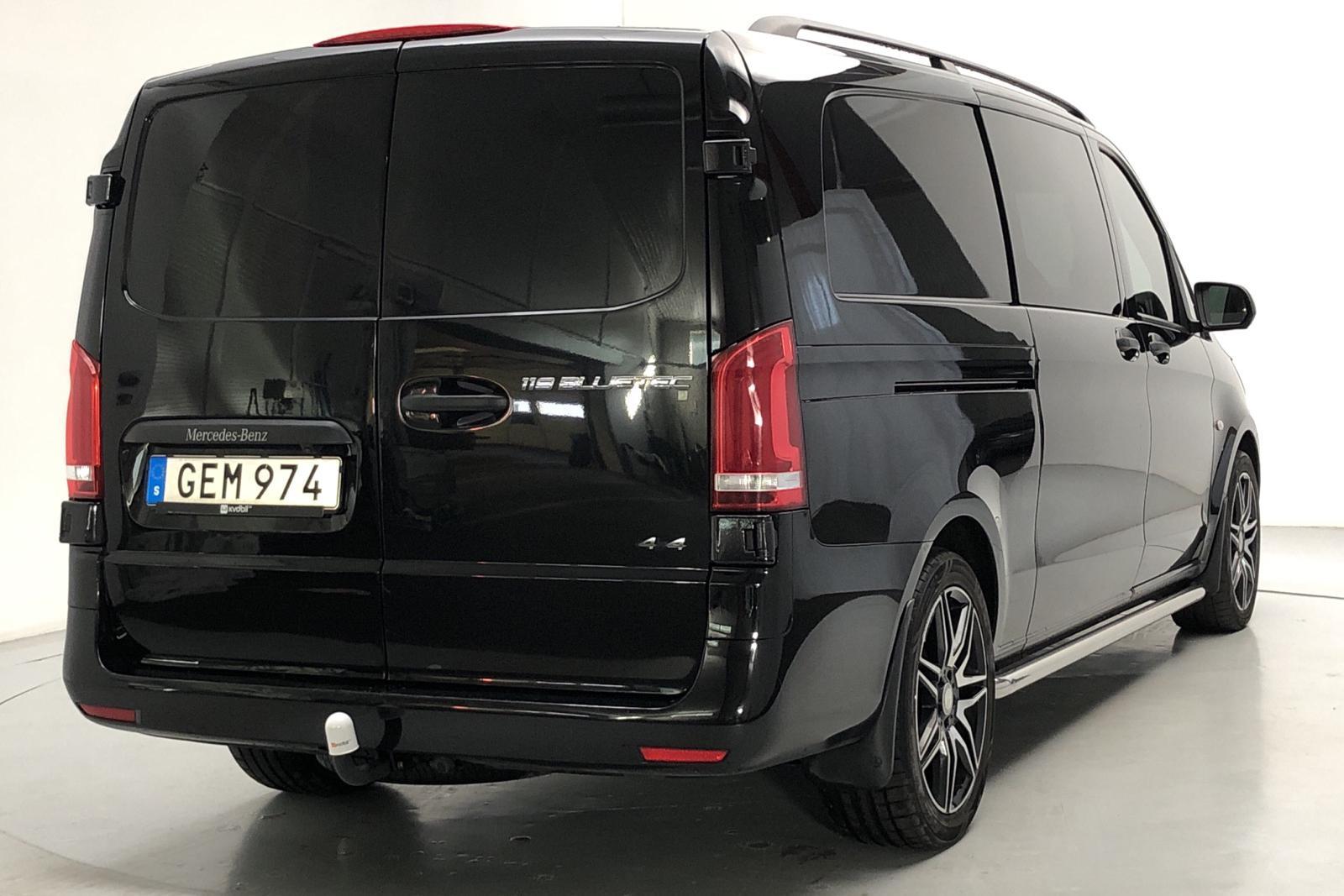MB MERCEDES-BENZ - 110 000 km - Automatic - black - 2016