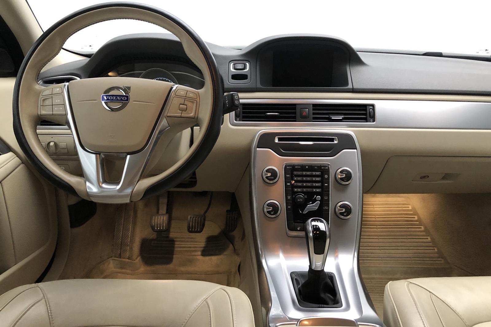Volvo V70 II D4 (181hk) - 0 mil - Manuell - svart - 2016