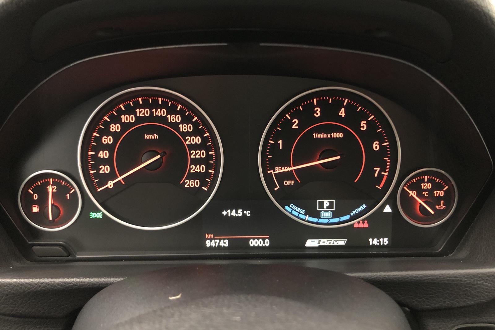 BMW 330e Sedan, F30 (252hk) - 8 137 mil - Automat - svart - 2017