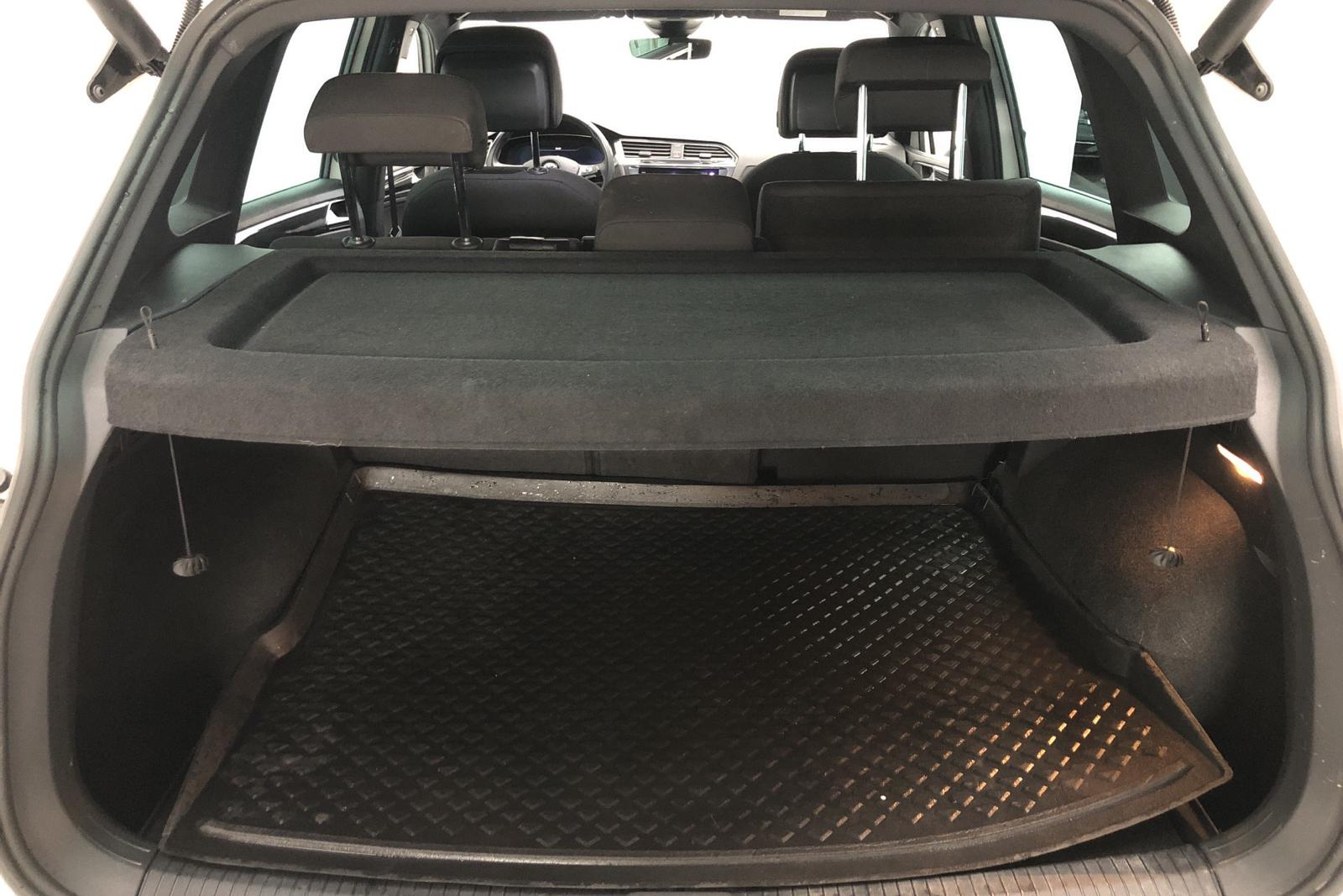VW Tiguan 2.0 TDI 4MOTION (190hk) - 0 mil - Automat - vit - 2018