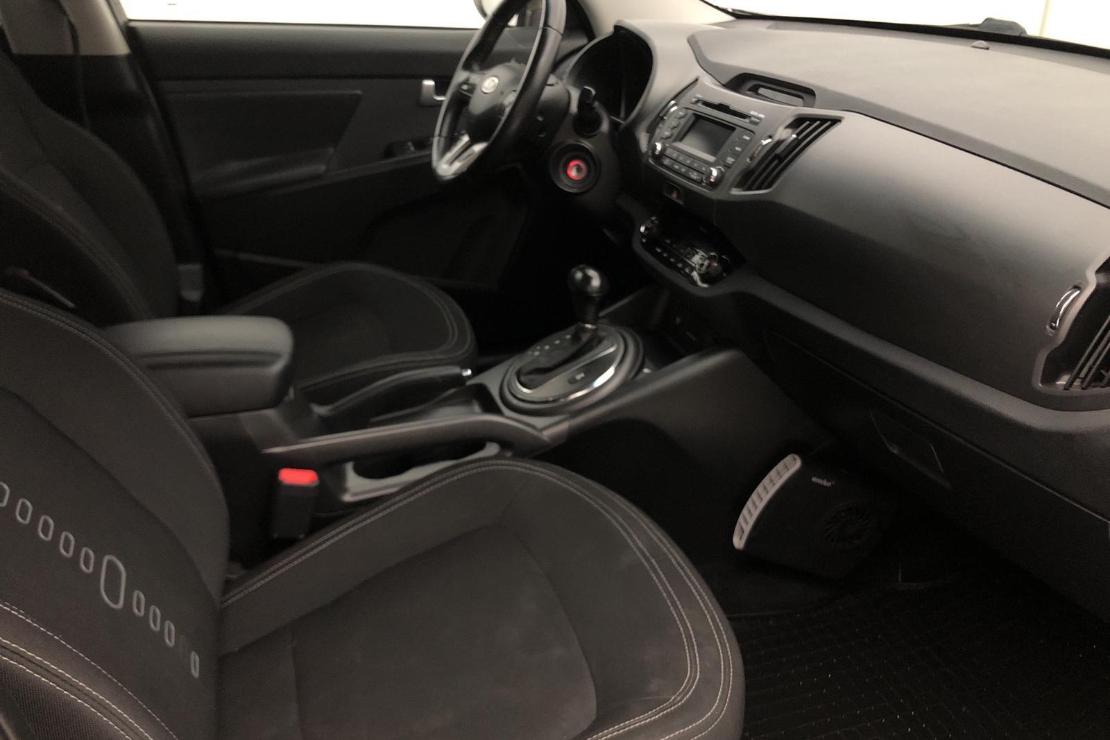 KIA Sportage 2.0 CRDi AWD (136hk) - 19 300 mil - Automat - Light Brown - 2012
