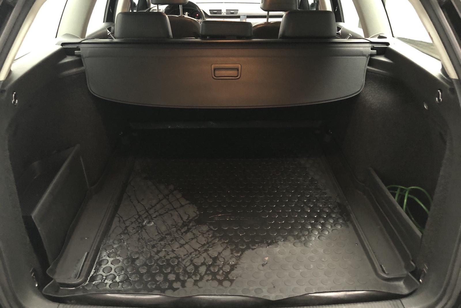 VW Passat 1.4 TSI EcoFuel Variant (150hk) - 15 600 mil - Automat - svart - 2010