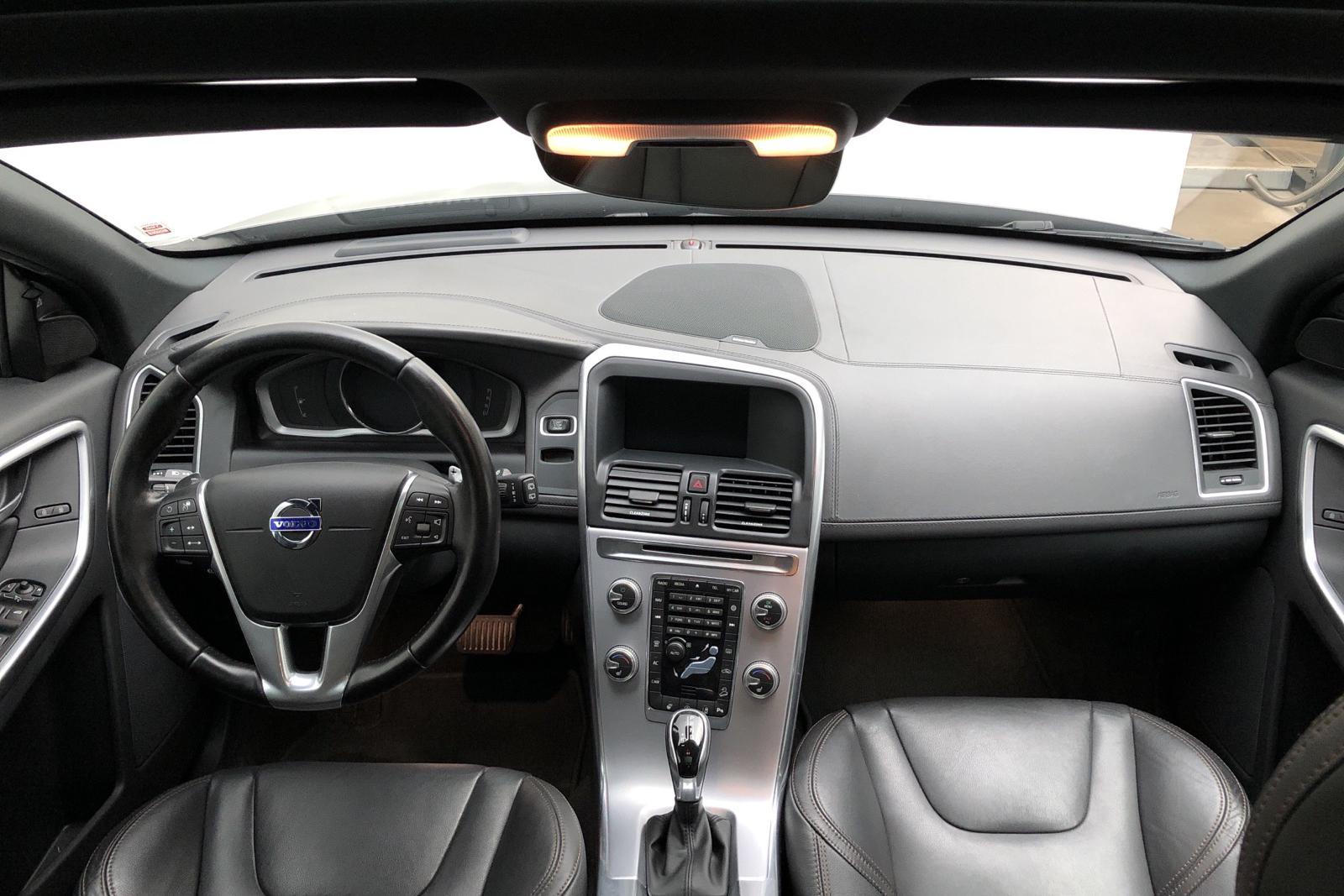 Volvo XC60 T6 AWD (306hk) - 8 000 mil - Automat - grå - 2017