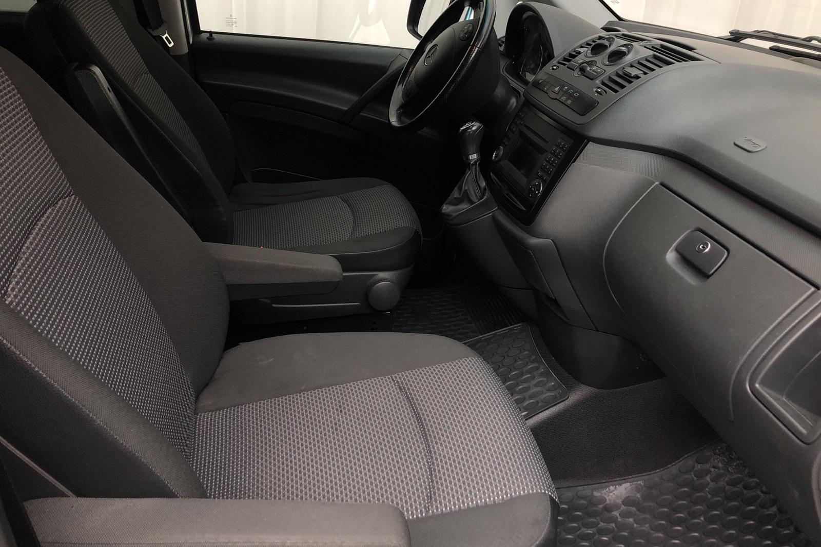 Mercedes Vito 122 CDI W639 (224hk) - 12 800 mil - Automat - silver - 2012
