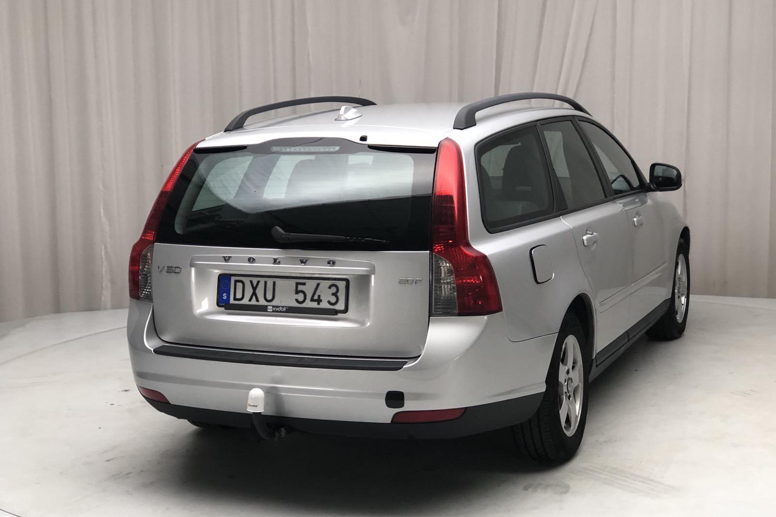 Volvo V50 2.0F (145hk) - 12 474 mil - Manuell - Light Grey - 2010