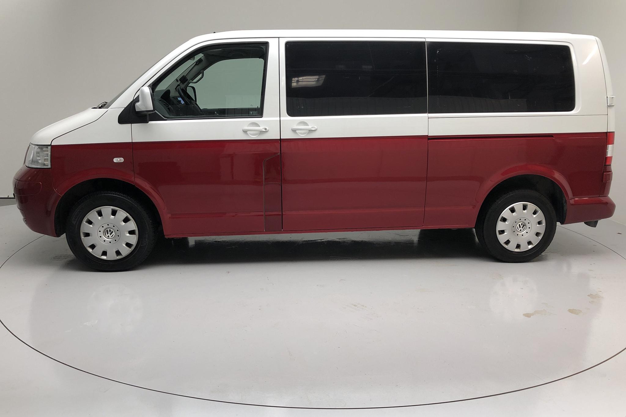 VW Caravelle T5 2.5 TDI (174hk) - 127 065 km - Automatic - Multicolored - 2009