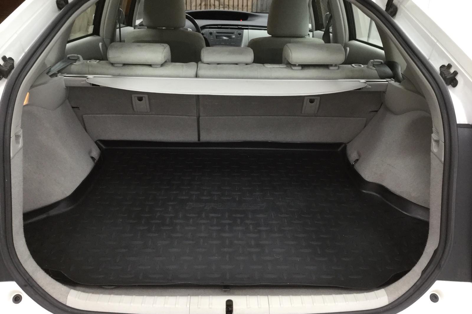 Toyota Prius 1.8 Hybrid (99hk) - 9 000 mil - Automat - vit - 2009