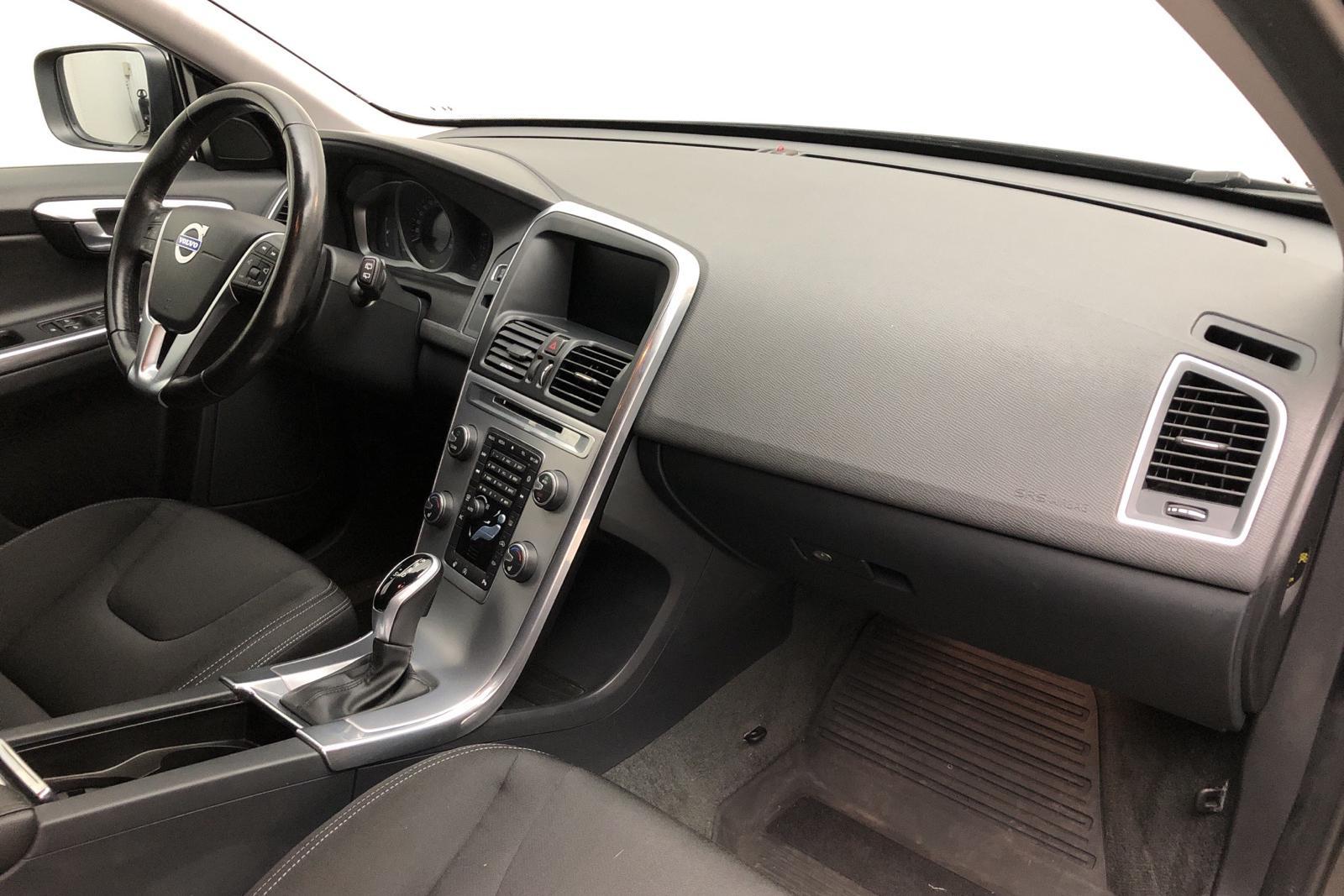 Volvo XC60 D3 2WD (150hk) - 0 mil - Automat - svart - 2017