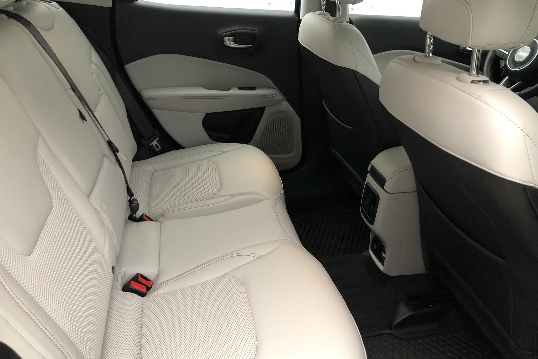 Jeep Compass 2.0 Multijet 4WD (170hk) - 3 716 mil - Automat - grå - 2018