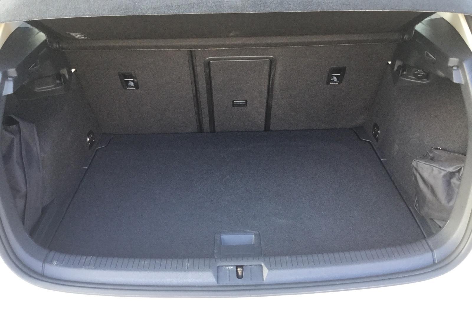 VW Golf VII 1.4 TGI 5dr (110hk) - 0 mil - Manuell - vit - 2016