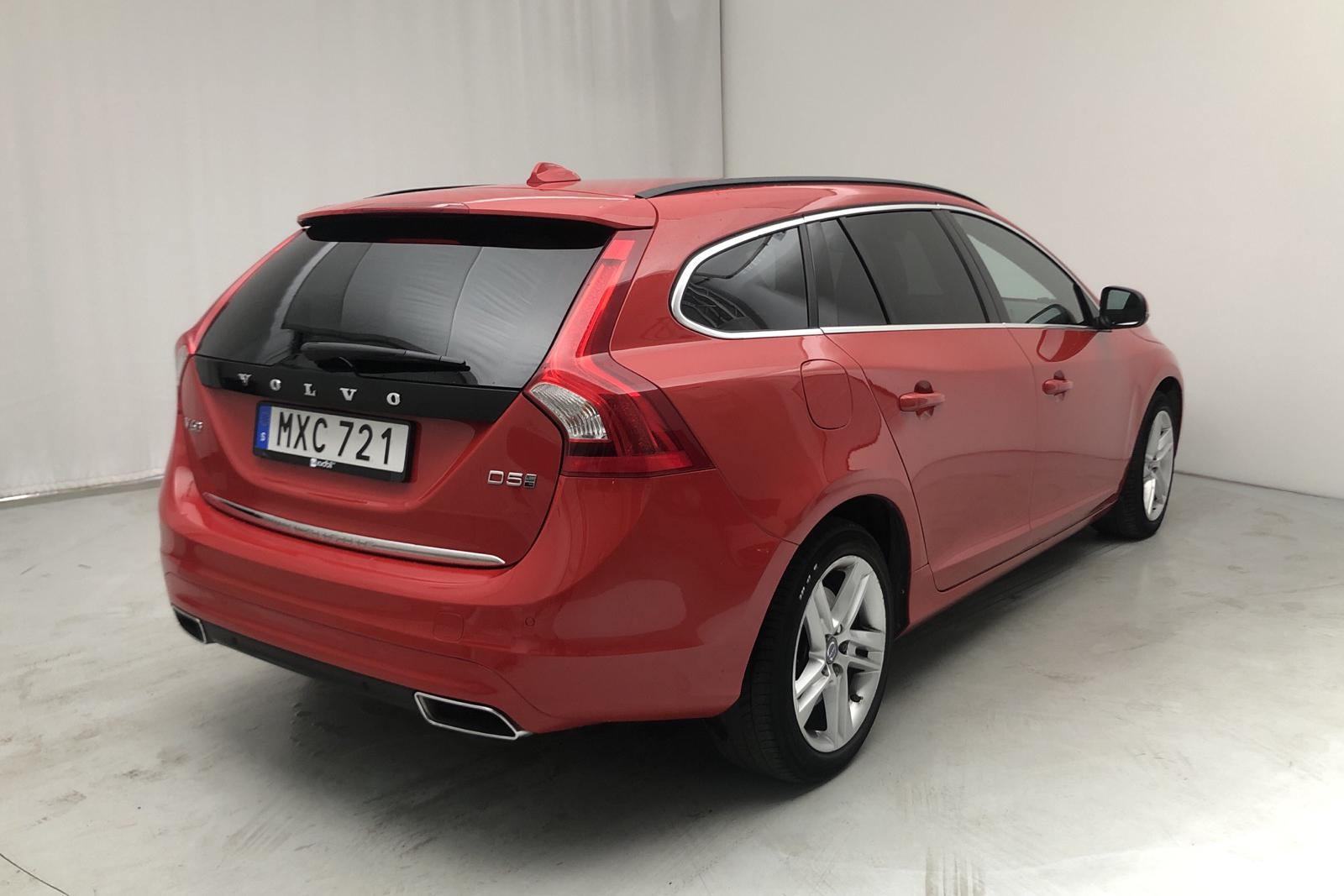 Volvo V60 D5 AWD Twin Engine (163hk) - 48 131 km - Automatic - red - 2016