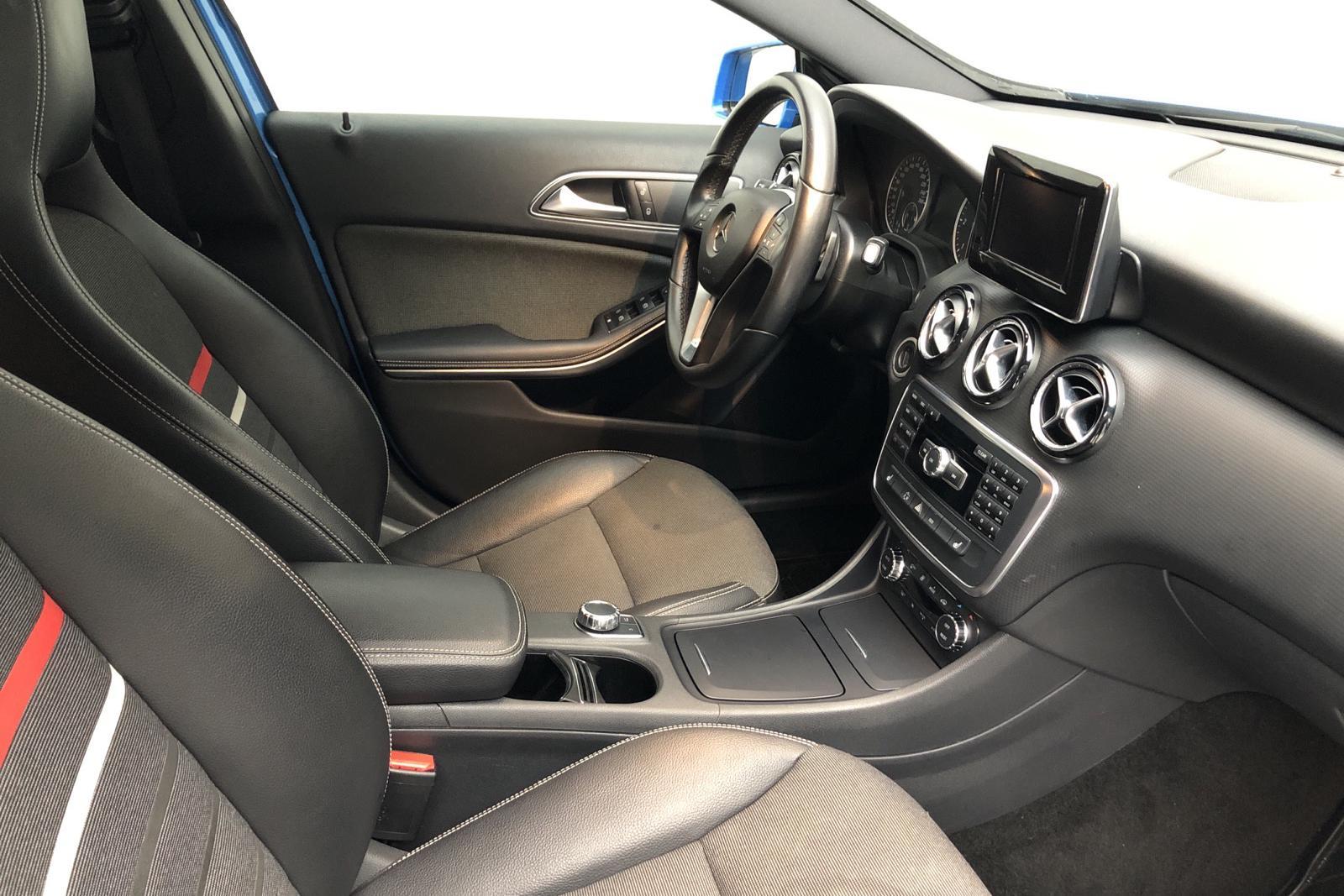 Mercedes A 180 CDI 5dr W176 (109hk) - 0 km - Dark Blue - 2013