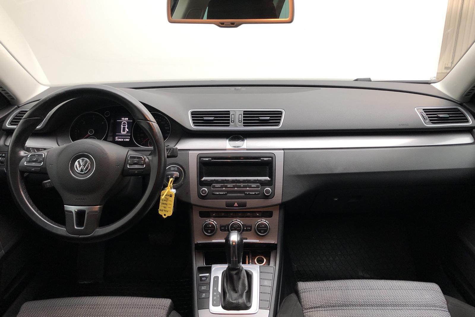 VW Passat 2.0 TDI BlueMotion Technology Variant (177hk) - 21 000 mil - Automat - svart - 2013