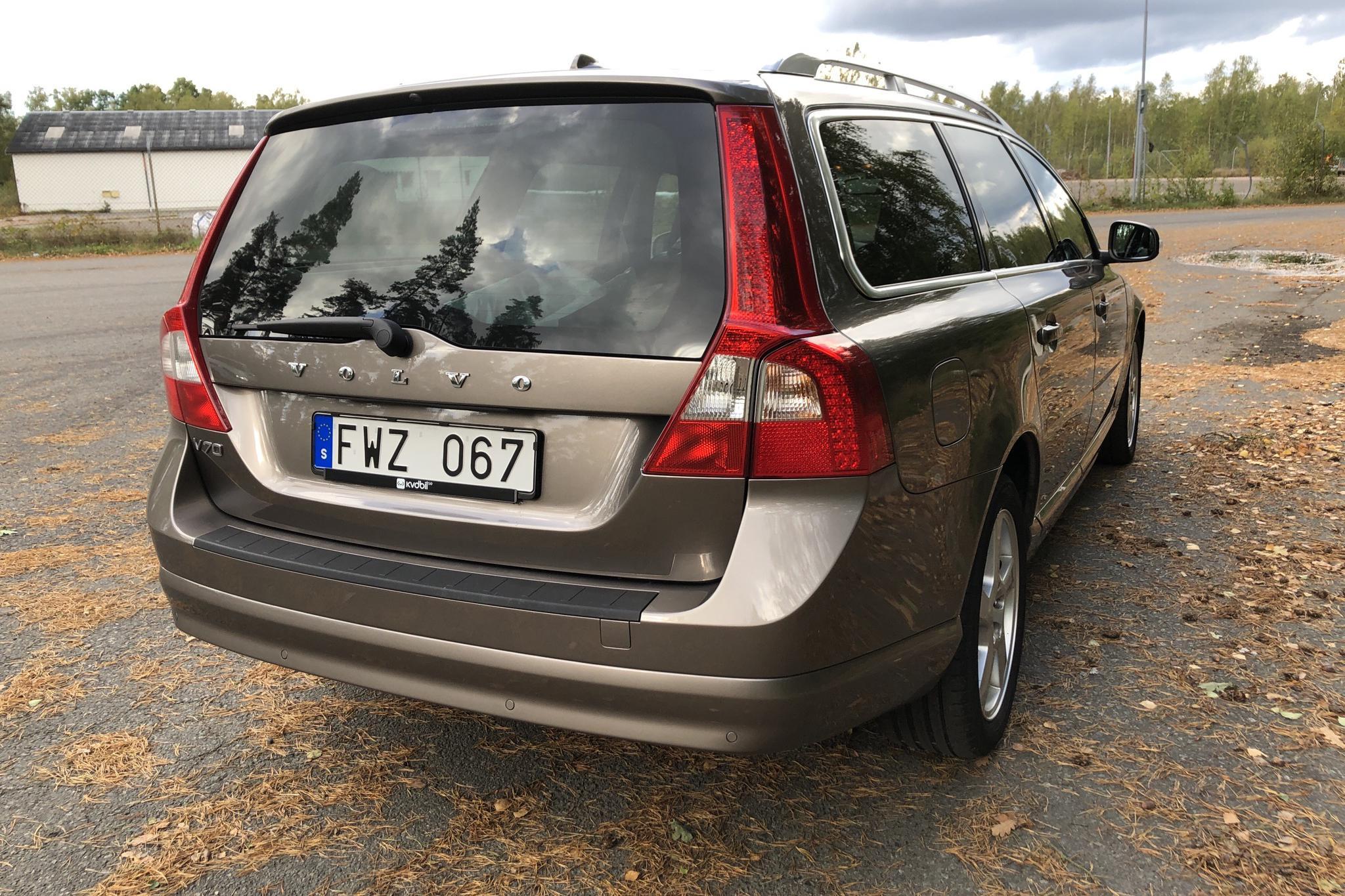 Volvo V70 II D3 (163hk) - 22 600 mil - Automat - grå - 2011