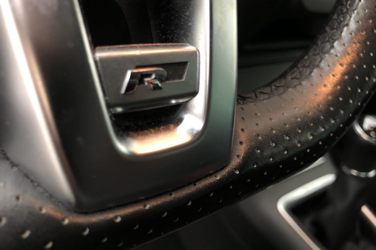 VW Tiguan 1.4 TSI 4MOTION (160hk) - 15 200 mil - Manuell - svart - 2015
