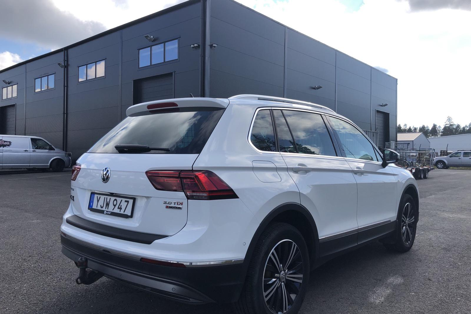 VW Tiguan 2.0 TDI 4MOTION (190hk) - 140 500 km - Automatic - white - 2017