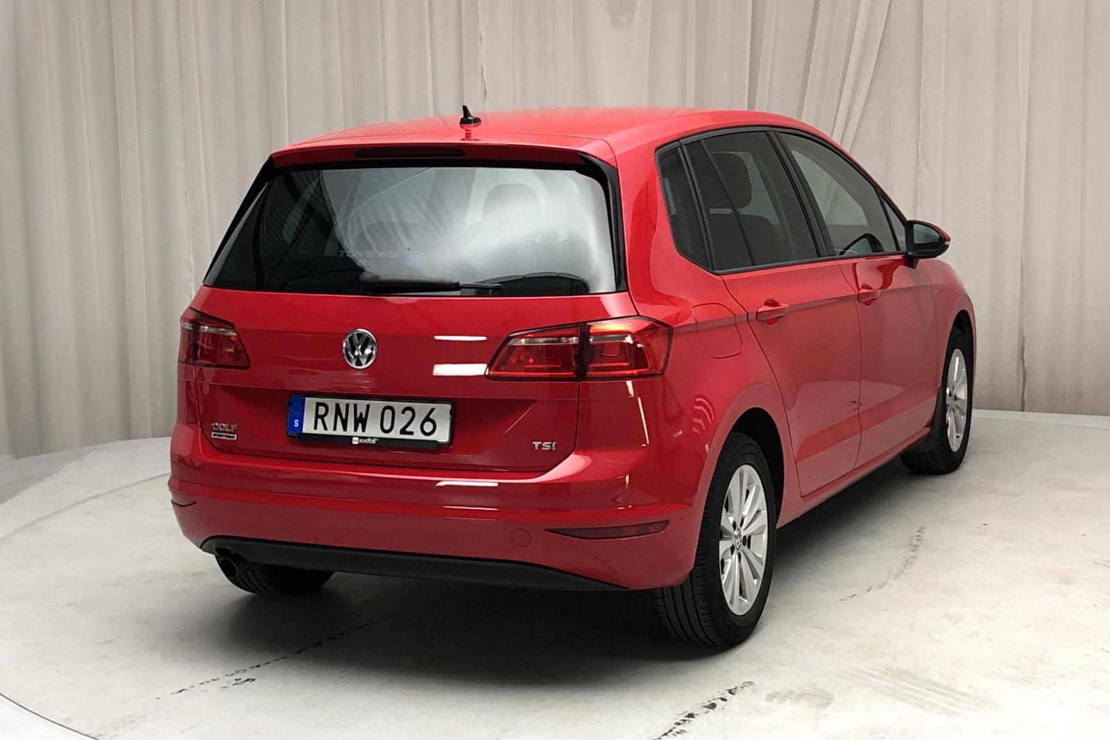 VW Golf VII 1.2 TSI BlueMotion Technology Sportsvan (110hk) - 0 km - Automatic - red - 2018