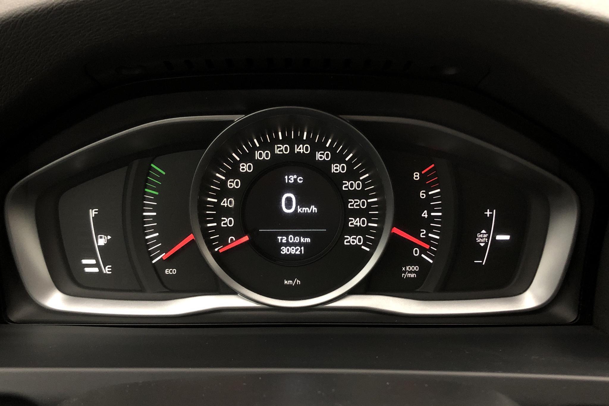 Volvo V60 T3 (152hk) - 30 520 km - Manual - black - 2017