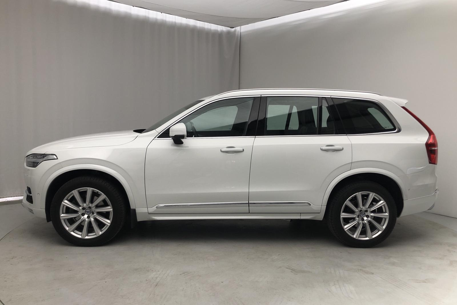 Volvo XC90 D5 AWD (225hk) - 30 000 km - Automatic - white