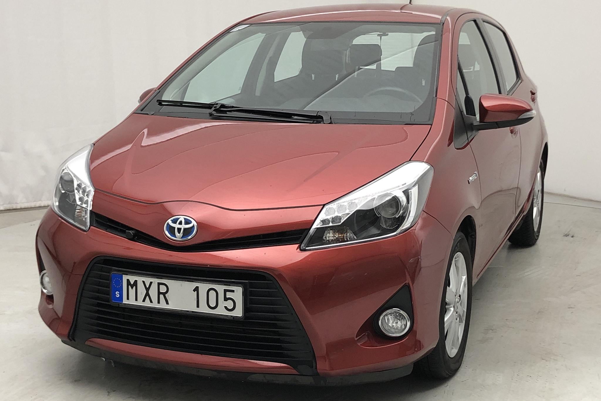 Toyota Yaris 1.5 HSD 5dr (75hk) - 61 000 km - Automatic - red - 2013