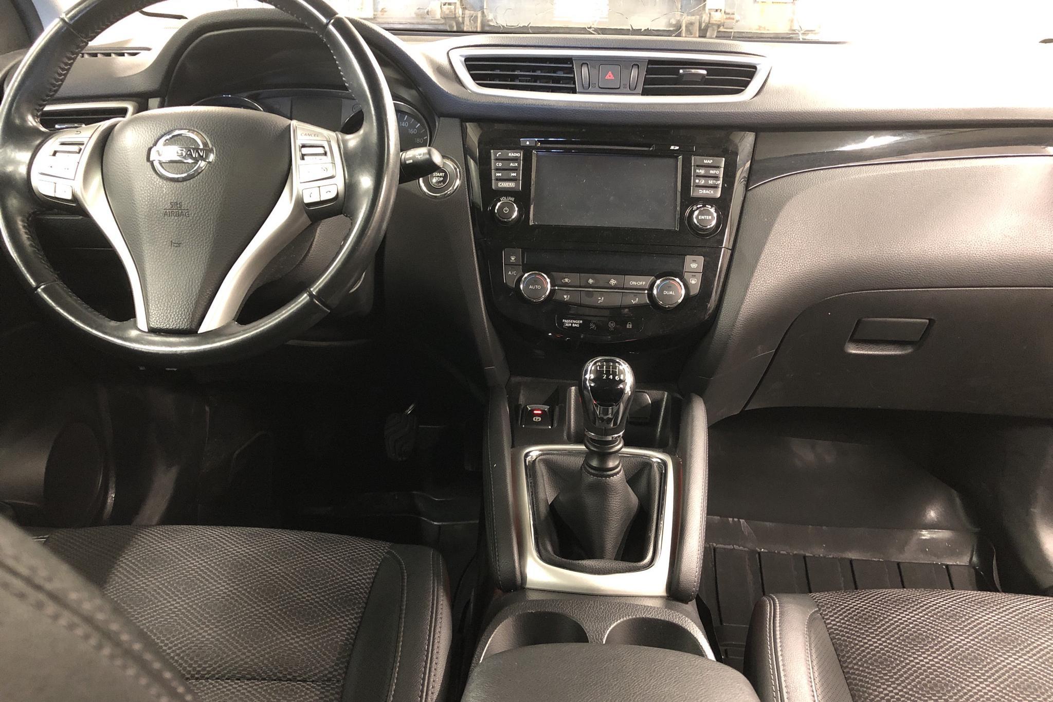 Nissan Qashqai 1.6 dCi (130hk) - 110 000 km - Manual - black - 2015
