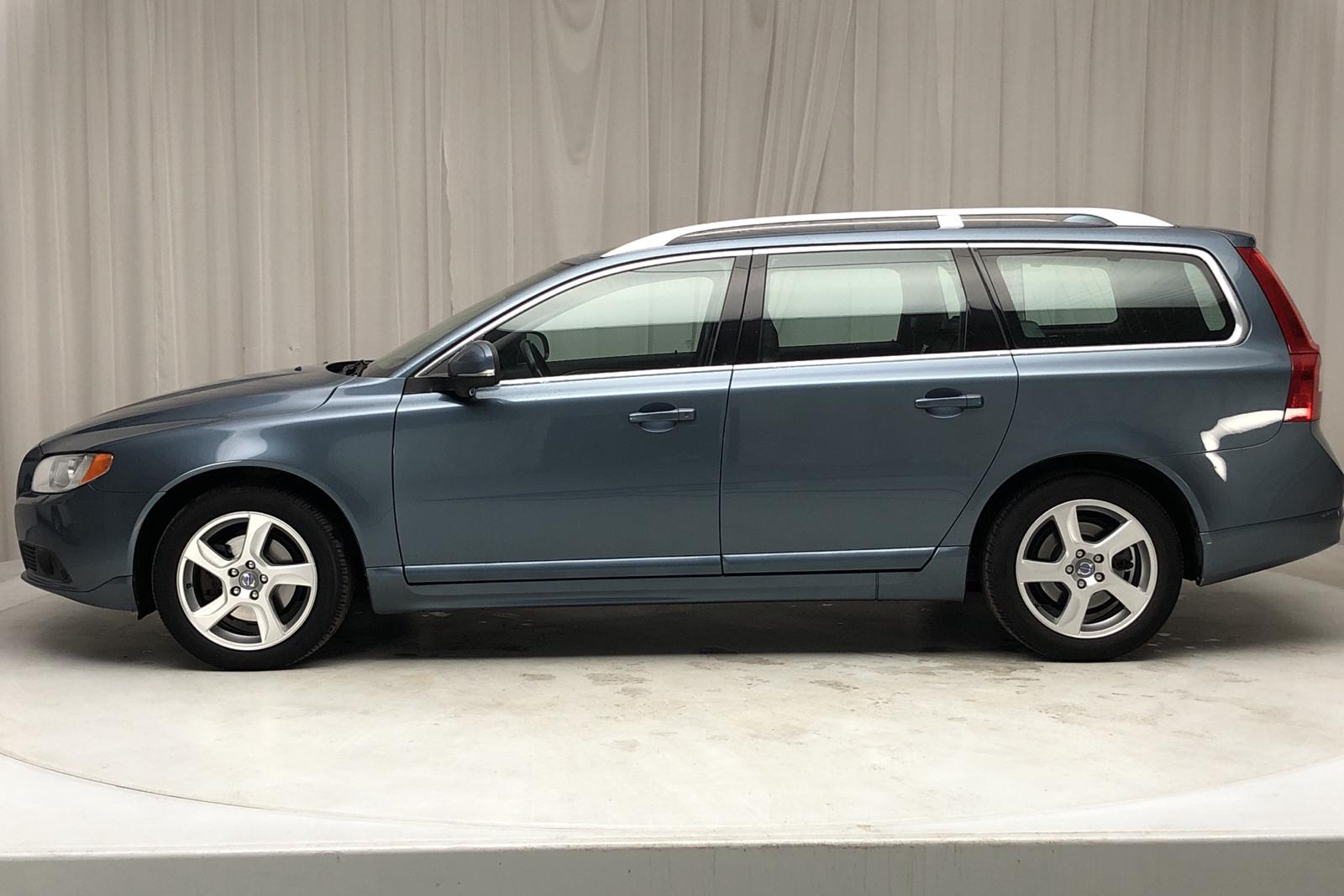 Volvo V70 II D3 (163hk) - 17 700 mil - Automat - blå - 2012