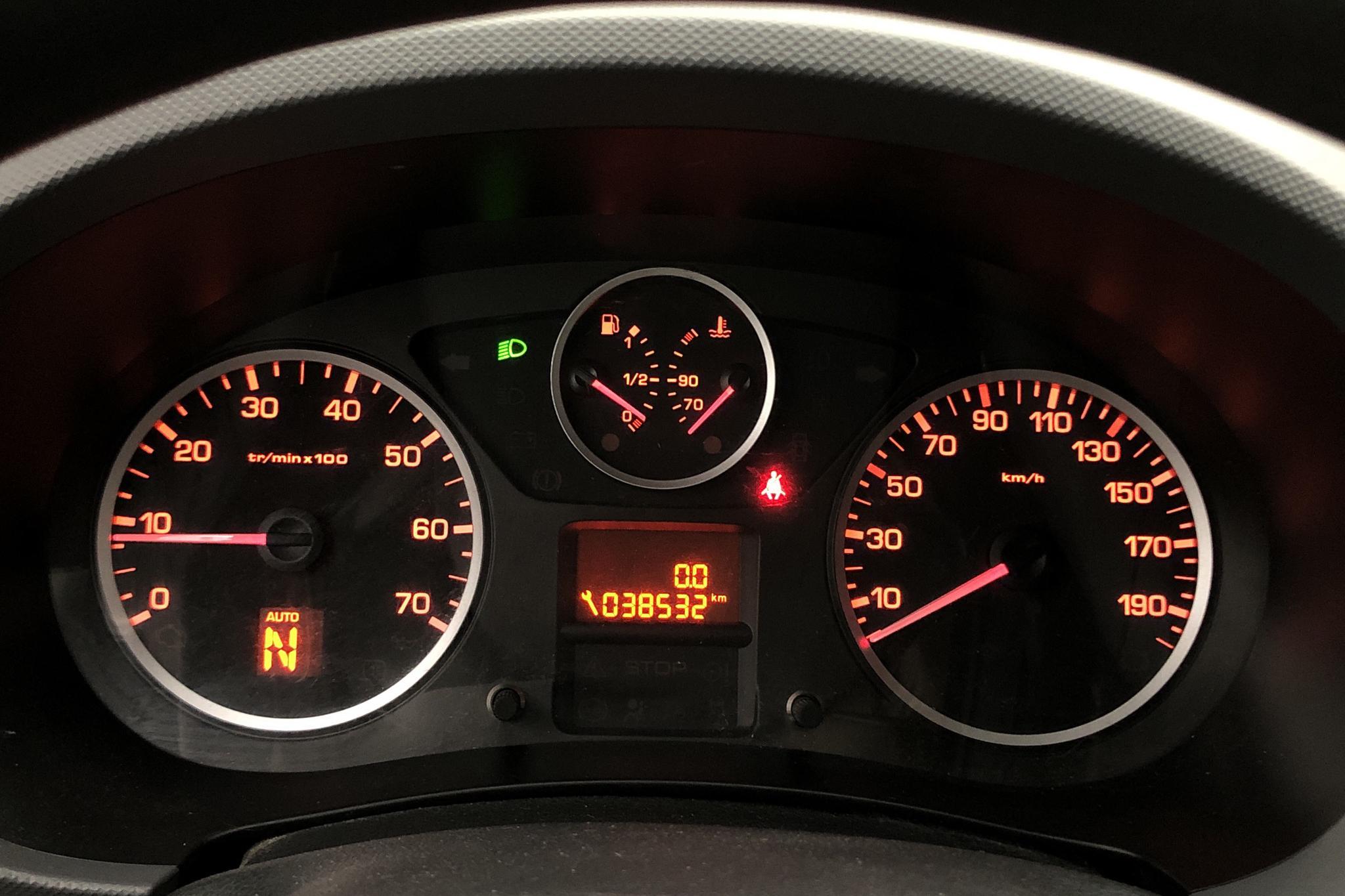 Citroen Berlingo III 1.6 HDi Skåp (90hk) - 4 400 mil - Automat - vit - 2013