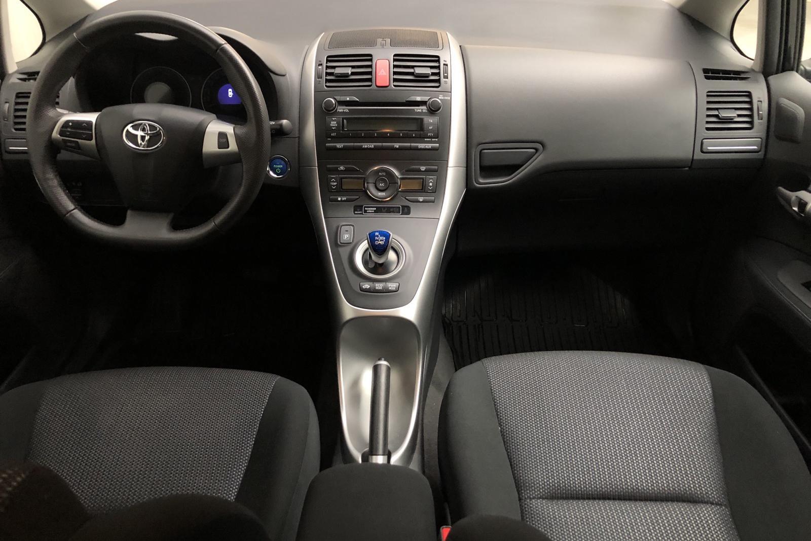 Toyota Auris 1.8 HSD 5dr (99hk) - 7 000 mil - Automat - svart - 2011