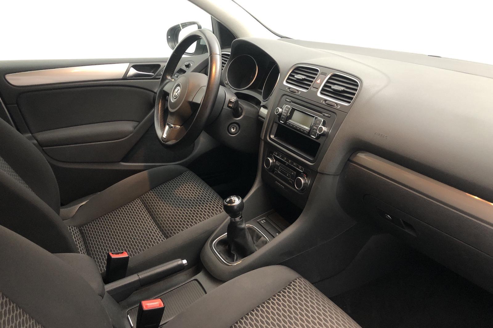 VW Golf VI 1.4 5dr (80hk) - 75 000 km - Manual - silver - 2010