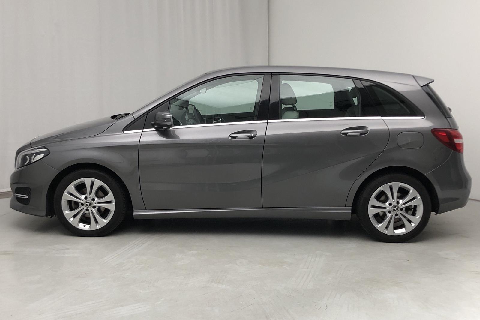 Mercedes B 180 d W246 (109hk) - 5 000 mil - Dark Grey - 2018