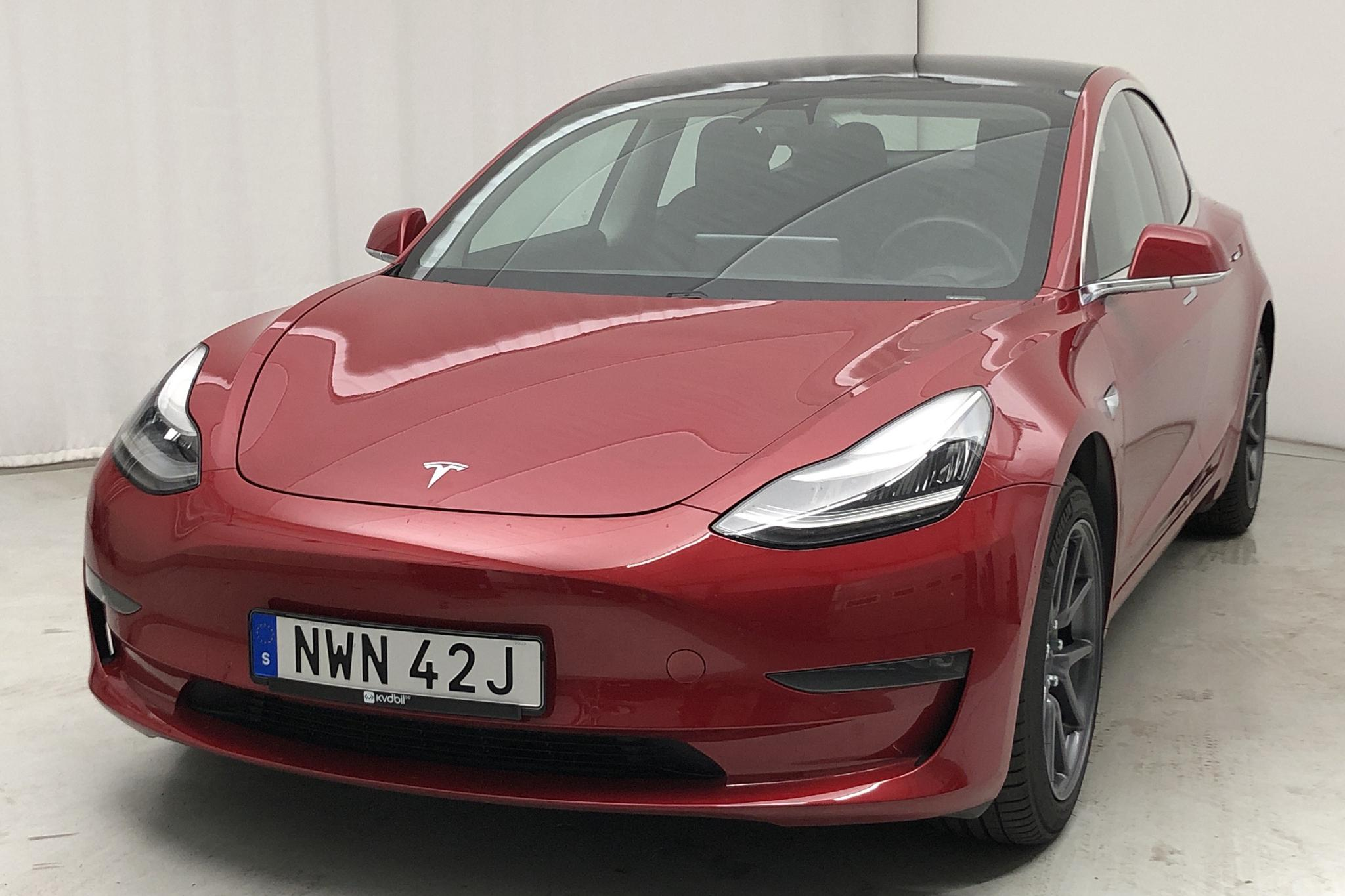 Tesla Model 3 Standard Range RWD - 1 600 mil - röd - 2019