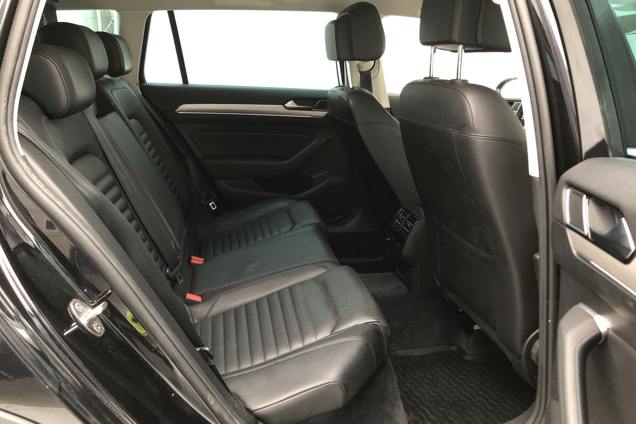 VW Passat Alltrack 2.0 TDI Sportscombi 4MOTION (190hk) - 0 mil - Automat - svart - 2016