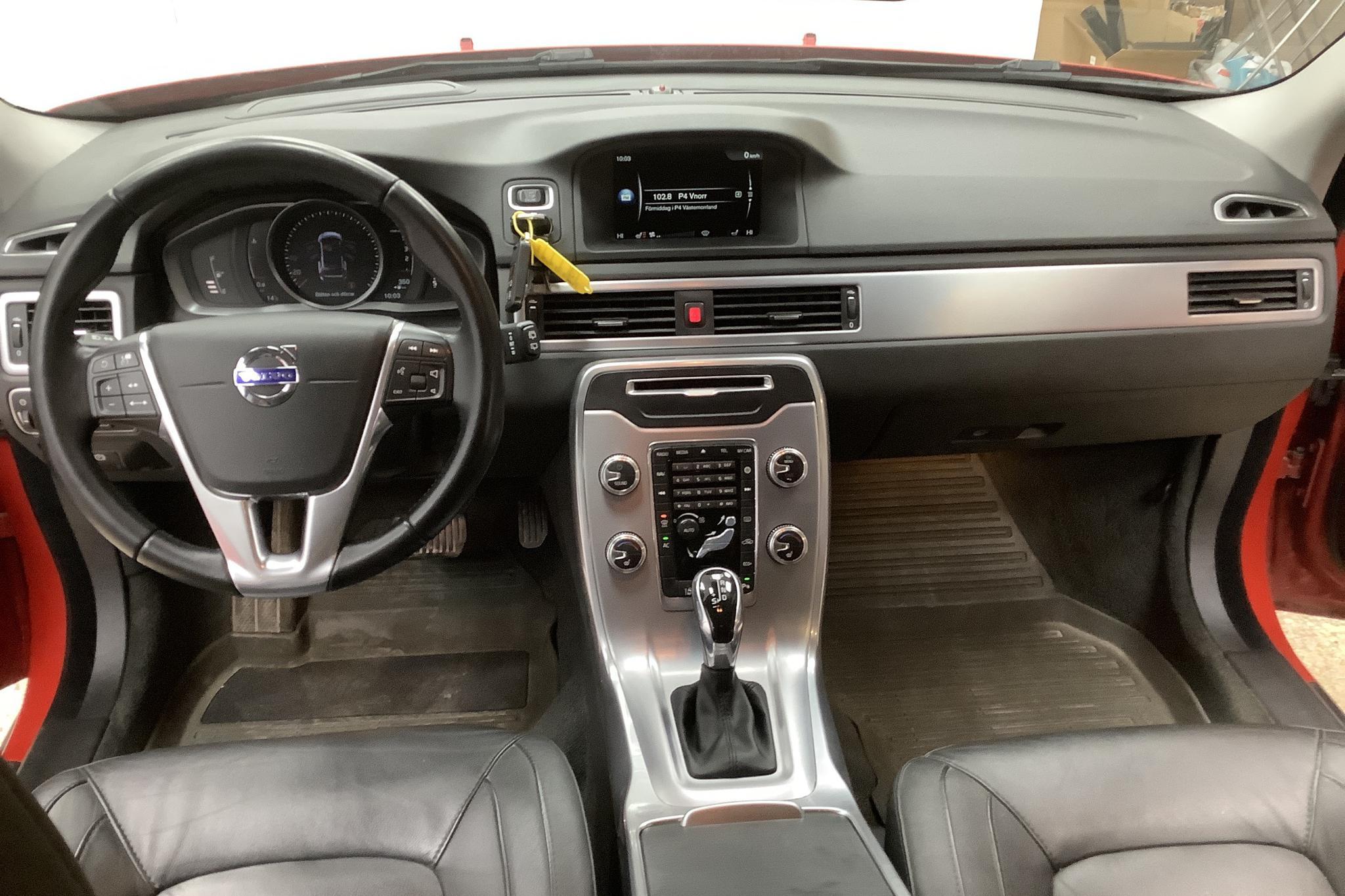 Volvo V70 II D3 (150hk) - 8 051 mil - Automat - röd - 2016