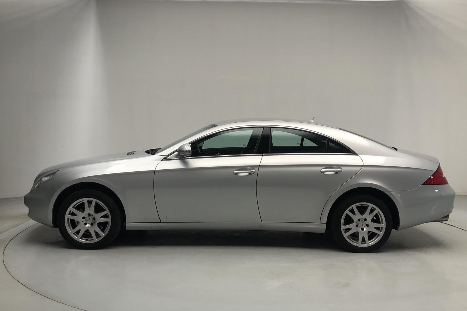 Mercedes CLS 320 CDI (224hk) - 143 000 km - Automatic - silver - 2007