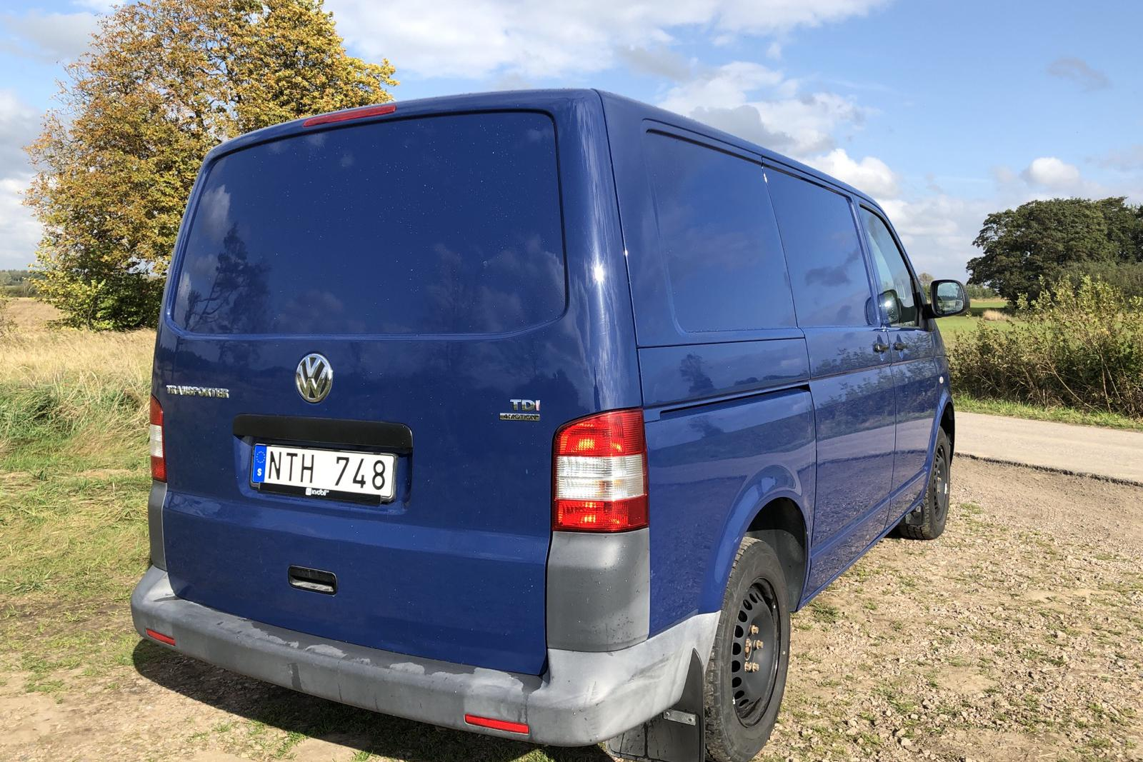 VW Transporter T5 2.0 TDI 4MOTION (140hk) - 0 km - Manual - Dark Blue - 2011