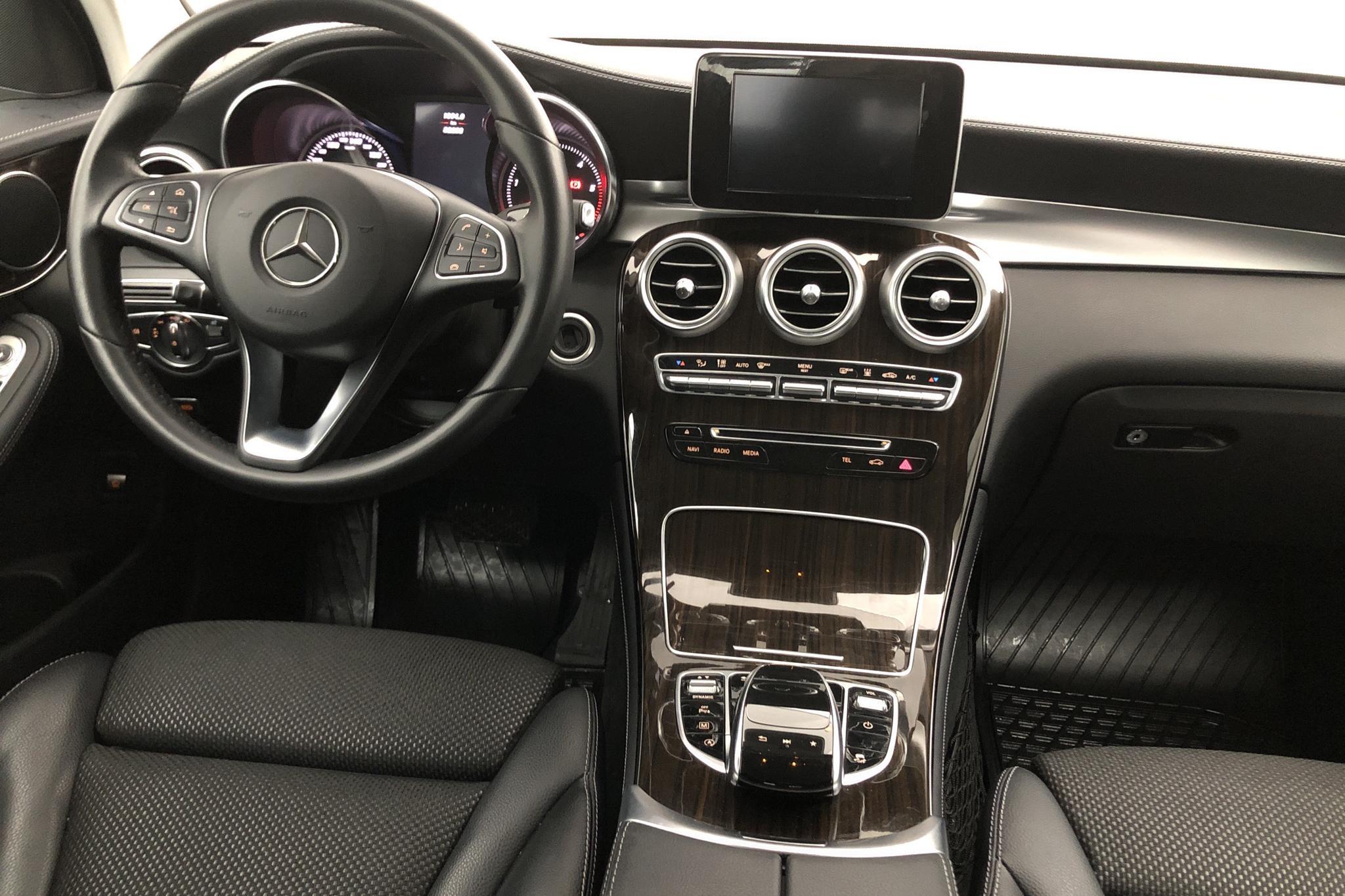 Mercedes GLC 250 d 4MATIC X253 (204hk) - 72 618 km - gray - 2017