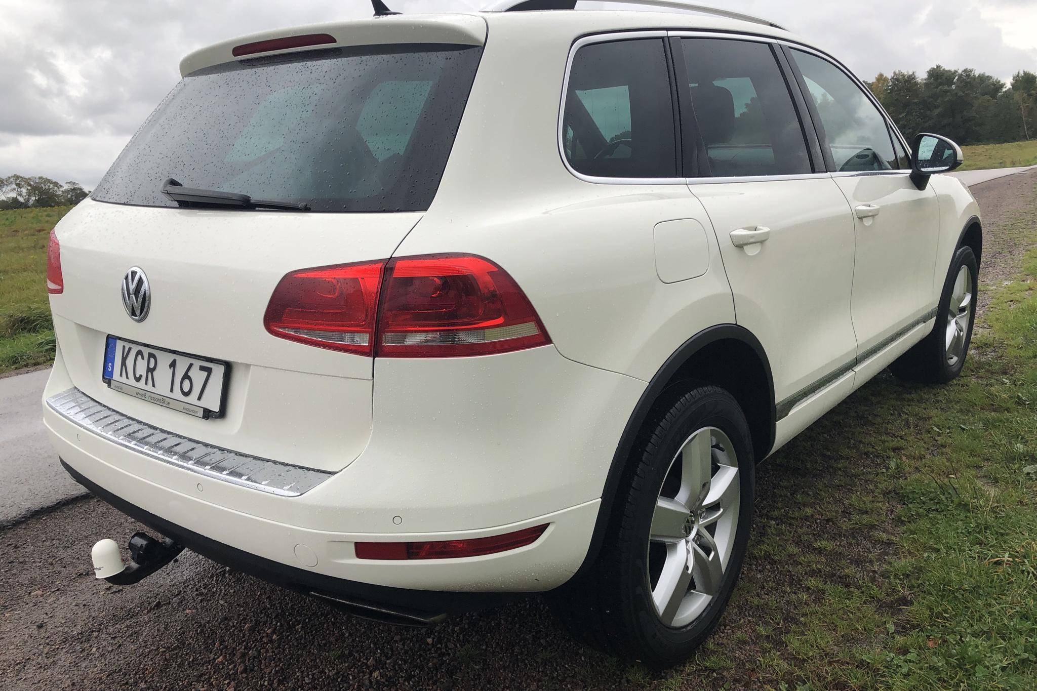 VW Touareg V8 TDI (340hk) - 210 000 km - Automatic - white - 2012