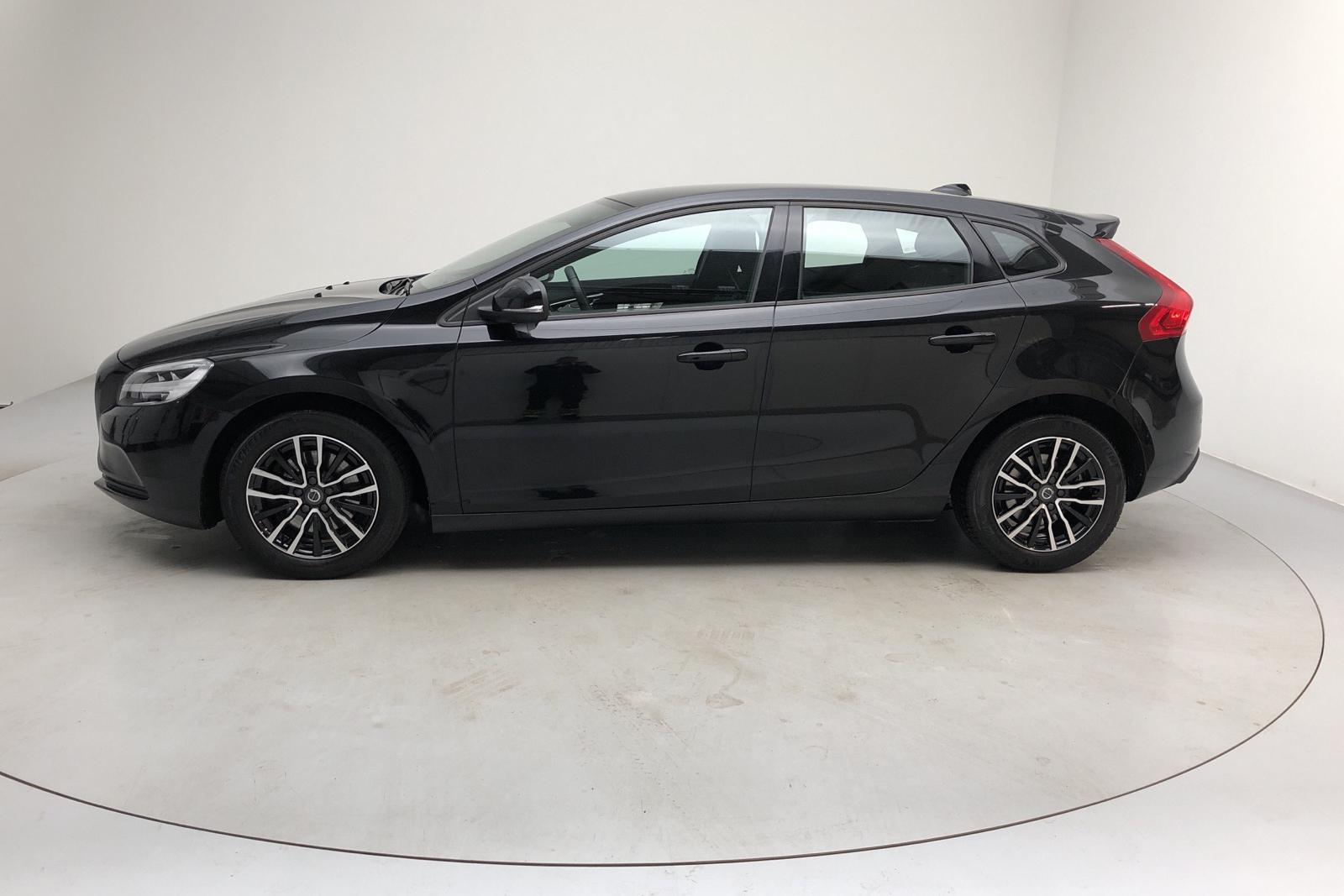 Volvo V40 T3 (152hk) - 44 280 km - Manual - black - 2018