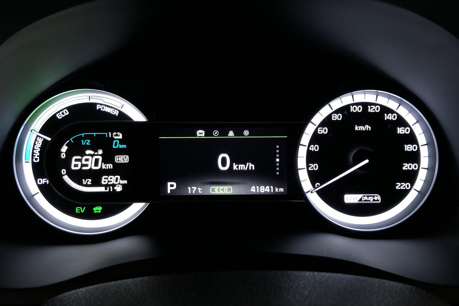 KIA Niro Plug-in Hybrid 1.6 Plus 2 (141hk) - 0 km - Automatic - white - 2019